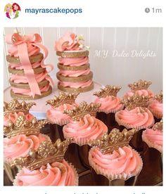 Trendy cupcakes decoration gold edible glitter ideas – Wedding Cakes With Cupcakes Gold Cupcakes, Wedding Cakes With Cupcakes, Fun Cupcakes, Quinceanera Cakes, Quinceanera Decorations, Edible Gold Glitter, Quince Cakes, Sweet 16 Decorations, Wedding Table Centerpieces