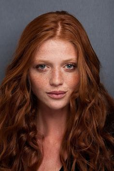 cintia dicker blue yesred long curls and deep red hair color Red Hair Color Shades 10 Amazing Ideas Cintia Dicker, Beautiful Freckles, Beautiful Redhead, Beautiful Body, Red Brown Hair Color, Color Red, Auburn Red Hair, Women With Freckles, Hair Color For Fair Skin