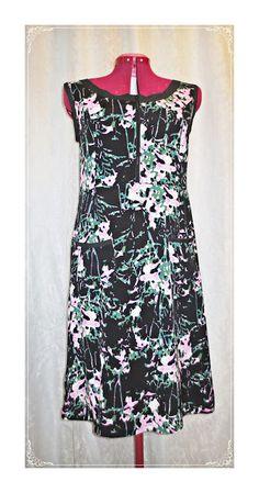 Kickis sytt nytt och nött: Sytt klänning i mönstrad viscose tyg