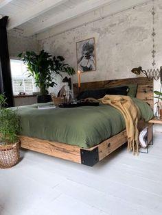 Room Ideas Bedroom, Home Decor Bedroom, Wooden Furniture Bedroom, Tuscan Bedroom, Western Bedroom Decor, Wooden Beds, Bedroom Rustic, Decor Room, Wall Decor