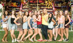 Central Pennsylvania Senior Photographer Brianna Wilbur photographed senior girls at local, fun, colorful carnival Fair Photography, Group Pictures, High School Seniors, Wedding Portraits, Portrait Photographers, Pennsylvania, Carnival, Cute Outfits, Super Cute