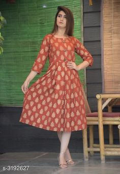 Kurtis & Kurtas Women's Printed Rayon Kurti Fabric: Rayon  Sleeves: Sleeves Are Included Size: M- 38 in L- 40 in XL- 42 in XXL - 44 in Length: Up To 46 in Type: Stitched Description: It Has 1 Piece Of Women's Kurti Work: Printed Country of Origin: India Sizes Available: M, L, XL, XXL, XXXL   Catalog Rating: ★4.2 (443)  Catalog Name: Women'S Printed Rayon Kurtis CatalogID_439161 C74-SC1001 Code: 274-3192627-5121