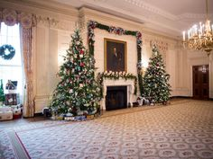 White House Christmas Tour 2014 | White House Christmas 2014 | HGTV