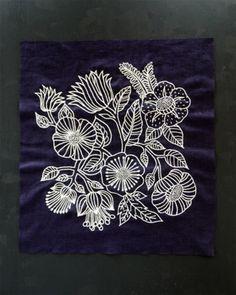 布と針と糸があればできる刺繍は、小物をかわいくできるだけでなく落ち着いた気持ちになるためにもおすすめ。暇な時間にちょこっとやりたい初心者向けの刺繍アイディアをご提案します。