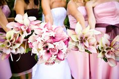 But I would have each bridesmaid have their item color: pink purple orange. And their dresses would match their bouquet! Calla Lillies Bouquet, Calla Lily Flowers, Wedding Beauty, Dream Wedding, Wedding Day, Lys Calla, Pink Lila, Pink Purple, Flower Bouquet Wedding