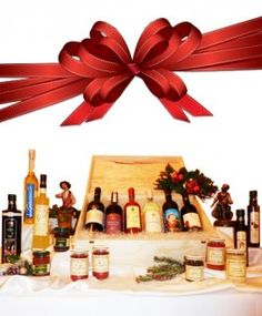 €106,56 http://www.oilwineitaly.com  Incantesimo di Natale. Un  omaggio di classe che soddisfa tutti i gusti ed ogni esigenza. Una confezioni regalo che racchiude la sintesi dell'alta qualità della produzione enogastronomica italiana tutta da scoprire. Una bellissima cassetta in legno piena di prelibatezze assortite.