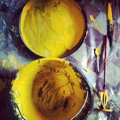 Giallo polenta al laboratorio di Clo'eT!!  Qualcosa bolle in pentola ....  # # Cloet cloetlab # design # cloetlaboratorio # giallo # colore # polenta # bergamo # # bergamocentro instamood # instabergamo # milano # bologna # roma # bari # felice # interior # lavoro # instagram # moda