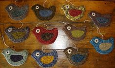 Little hooked birds by Lori Rippey from Home Spun Prims