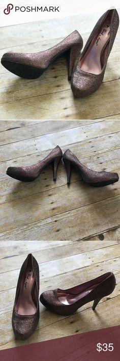 ✨HOST PICK ✨ Sparking heels in Excellent condition/ no trades/no PayPal/ smoke and pet free home/ please ask Questions!/ like what you see but the price to high? Make an offer! 💜 Shoes Heels
