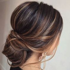 The essential guide to 2020 wedding hair. Must-have updos, bridal ponytails and soft waves you will love. Plus tips for choosing your bridal accessories. Soft Wedding Hair, Straight Wedding Hair, Wedding Hair And Makeup, Soft Hair, Soft Updo, Boho Wedding Hair Updo, Bridesmaid Hair Straight, Soft Waves Hair, Up Hairstyles
