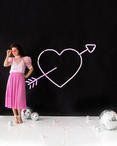 DIY Neon Heart Balloon Wall | Oh Happy Day!    #diy #valentinesday #party
