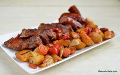 garnitura de legume coapte la tava impreuna cu friptura Sausage, Cooking Recipes, Meat, Pork, Sausages, Chef Recipes, Chinese Sausage