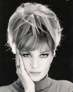 Monica Vitti (does anyone know who took this?). | People ...
