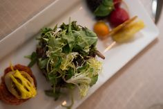 10 Tips for Modern Jewish Eco-Friendly Wedding Planning Wedding Reception Appetizers, Mini Burgers, Seaweed Salad, Food Truck, Wedding Blog, Catering, Eco Friendly, Wedding Planning, Vegetables