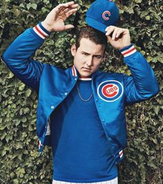 Anthony Rizzo Is A Fighter, recent article from ESPN The Magazine Magazine October When Anthony Rizzo was diagnosed with cancer as a young prospect, he was scared – but he wasn't alone. Espn Baseball, Marlins Baseball, Baseball Socks, Cubs Baseball, Baseball Players, Baseball Field, Hockey, Cubs Pictures, Cubs Wallpaper