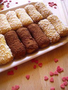 Dolc&maniA: PAVESINI CHIC Italian Cookies, Italian Desserts, Mini Desserts, Italian Recipes, Biscotti Biscuits, Biscotti Cookies, Sweet Cooking, Sweet Cakes, Finger Foods