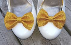 Hey, I found this really awesome Etsy listing at https://www.etsy.com/listing/480381045/gold-shoe-clips-glitter-bows-christmas