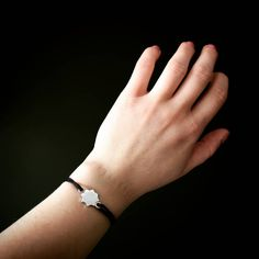 Nie zapominajmy o Śląskim. Kato pod ręką i blisko serca. Bransoletka z motywem gwiazdy pojechała do Warszawy. Pierwsza sztuka, takich bransoletek jeszcze nie było.  Chcecie więcej? 🖤  __________ #chorzów #zoochorzów #kato #katowice #Geszeft #silesiandumplings #śląskie #Śląsk #śląskadziewczyna #silesiangirl #katowicenielizbona #Gliwice #bytom #mysłowice #gop #Zabrze #kluskiśląskie #silesiandesign #coal #bizuteriazwegla #hetmanjewelry #giftfromPoland #sosnowiec #silesiandumplings… Fitbit Flex, Delicate, Kawaii, Bracelets, Jewelry, Jewlery, Jewerly, Schmuck, Jewels