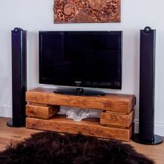 Quadrate Oak Media Unit