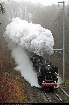 Meiningen, berühmt für Dampflok-Ausbesserungswerk und die Dampflok-Tage, die jährlich im September stattfinden