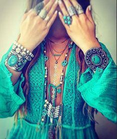 Bohemian Lifestyle And Boho Style Fashion: Boho Gypsy, Hippie Boho, Hippie Style, Bohemian Style, Boho Fashion, Womens Fashion, Fashion Skirts, Cheap Fashion, Fashion Fall