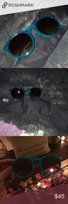 *New Item* Wildfox Sunglasses Epic fail for me, they look weird on me 😜 So these gems are up for grabs! Two silver stars ✨ on each side of these teal colored foxes 💕💕 It comes with the cleaning cloth which happens to be the bag as well 💁🏼 Please don't hesitate to ask any questions 🛍 Wildfox Accessories Sunglasses