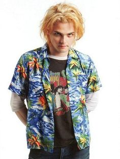 That's one of Gerard's worst hair ever b t he's still cute ❤