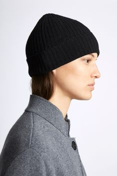 GBP Chunky ribbed Cashmere / Wool blend beanie hat with a visible OYUNA ring. One-size Cashmere / Wool Cashmere Hat, Relaxed Hair, Beanie Hats, Light In The Dark, Wool Blend, Knitted Hats, Knitting, Hair Products, Cloths