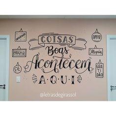 Chalk Design, Letter E, Lettering Tutorial, Posca, Blackboards, Mural Art, Unique Recipes, Chalkboard, Decoration