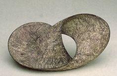 Helen Carter  |  Pink Moebius  |  2001  |  45 x 18 cm