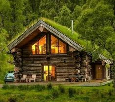 Small Log Cabin, Log Cabin Homes, Cozy Cabin, Cozy House, Cabins In The Woods, House In The Woods, Log Cabins Scotland, Luxury Log Cabins, Cedar Log