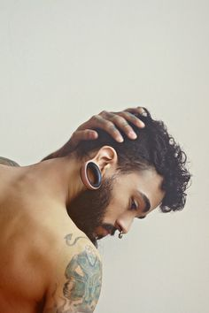 nose and ear piercing Mens Piercings, Body Piercings, Piercing Tattoo, Ear Piercing, Moustaches, Perfect Beard, Stretched Ears, Beard No Mustache, Body Modifications
