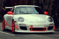 My favourite car ever. Porsche 911 GT3 RS 4.0