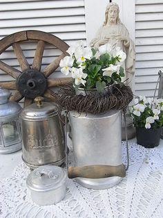 Vintage Krüge - alte Milchkanne Vorratsdose Vase shabby chic - ein Designerstück von artdecoundso bei DaWanda