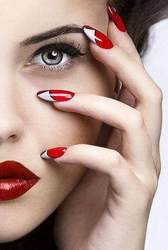 We've gathered 40 summer nail art designs to get inspiration for Spring and Summer, from nail wraps to beautiful polished nails the latest nail polish trends. Red Nails, Hair And Nails, Silver Nails, Regard Intense, Jolie Nail Art, Red Nail Designs, Beauty Shoot, Glossy Lips, Types Of Nails