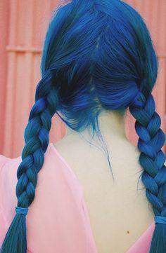 90's blue hair!