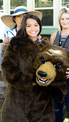 Yes I am the one in the bear suit Cool Costumes, Adult Costumes, Dance Costumes, Halloween Costumes, High School Mascots, Modern Dance Costume, Isabela Moner, Bear Costume, Bunny Suit