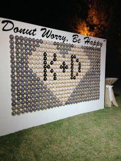 Donut Wall at a Wedding - Hochzeit - Donuts Wedding Snacks, Wedding Donuts, Wedding Desserts, Wedding Events, Our Wedding, Destination Wedding, Dream Wedding, Weddings, Donut Decorations