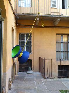 Tipped toy, mariotti.mazeo, 2013, smalti, ferro, plastica, 90x110 cm - Ignazio Mazzeo #art #sculpture #ignaziomazzeo #yoyo