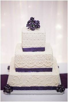 Back with another gorgeous wedding of the week for you to view! This couple held their fall wedding for 275 guests for less than $14k! They did alot themse | See more about Buttercream Wedding Cake, Buttercream Cake and Wedding cakes.