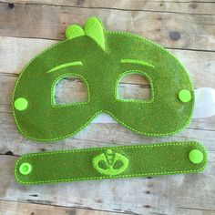 Premium Quality Bedtime Heroes masks and bracelets for the kiddos. Get just the mask. Just the bracelet. Or as a set! Masks are created with an amazing premium quality glitter and solid vinyl. They are backed with soft felt. Embroidery machine stitched and stretchy coordinating, high
