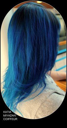 Katia Miyazaki Coiffeur - Salão de Beleza em Floripa: cabelo azul - blue hair - cabelo feminino - liso -...