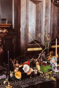 These are the wedding flowers that are in-season during the fall. Here, learn how to use the best flowers of the season throughout your wedding bouquets, centerpieces, and arrangements. Rose Wedding Bouquet, Bridal Flowers, Floral Wedding, Fall Wedding, Wedding Ideas, Wedding Decorations, Seasonal Flowers, Fall Flowers, Wedding Arrangements