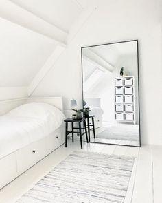 A Comprehensive Overview on Home Decoration - Modern Big Mirror In Bedroom, Huge Mirror, Full Length Mirrors, Full Length Mirror Living Room, Full Body Mirror, Big Mirrors, Floor Mirrors, Mirror Mirror, Room Ideas Bedroom