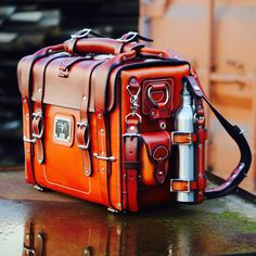 Buy Leather Goods Handmade in the USA from leading leather store. Shop for rustic luxury leather bags, belts, wallets online from MOOSE BRAND. Leather Briefcase, Leather Tooling, Leather Backpack, Leather Wallet, Leather Bags Handmade, Leather Craft, Leather Bags For Men, Steampunk, Leather Projects