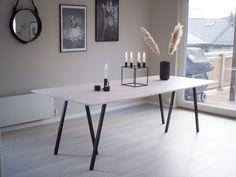 Spisebord - DIY   HVITELINJER Kitchen Interior, Interior And Exterior, Kitchen Decor, Interior Design, Cozy Living, Living Room, Bedroom Pictures, Dining Room Inspiration, Diy Table