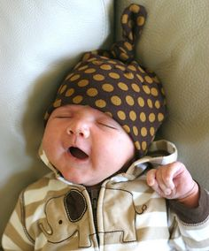Top Knot Baby Hat and 12 other DIY baby projects