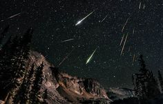 Snowy Range in Wyoming (USA) Perseids Meteor Shower by David Kingham on flickr (http://www.flickr.com/photos/davidkingham/7769126492/)
