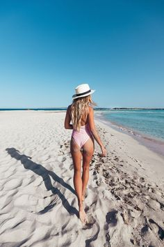 Light pink one piece swimsuit fedora Summer Vibes Fashion and Photography Photo Summer, Summer Pictures, Beach Pictures, Beach Bum, Summer Beach, Summer Vibes, Pink Summer, Beach Girls, Summer Days