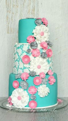 Turquoise cake, with lace center layer. Love the color combo. Pretty Cakes, Beautiful Cakes, Amazing Cakes, Cupcakes, Cupcake Cakes, Crazy Cakes, Fancy Cakes, Cake Pops, Turquoise Cake